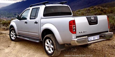 Nissan Navara 2.5dCi double cab LE
