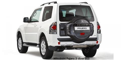 Mitsubishi Pajero 3-door 3.2DI-D GLS - Image credit: © 2018 duoporta. Generic Image shown.