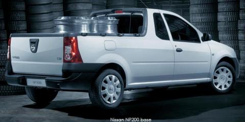 Nissan NP200 1.6i safety pack - Image credit: © 2019 duoporta. Generic Image shown.