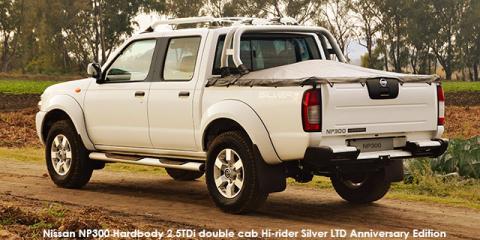 Nissan NP300 Hardbody 2.5TDi double cab Hi-rider - Image credit: © 2019 duoporta. Generic Image shown.