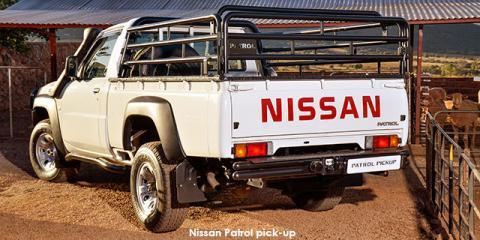 Nissan Patrol 3.0TD pick-up - Image credit: © 2018 duoporta. Generic Image shown.