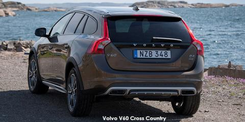 Volvo V60 Cross Country T5 AWD Momentum