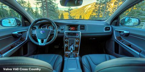 Volvo V60 Cross Country T5 AWD Momentum