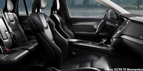 Volvo XC90 D4 Momentum - Image credit: © 2018 duoporta. Generic Image shown.