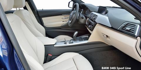 BMW 320d Sport Line sports-auto - Image credit: © 2018 duoporta. Generic Image shown.