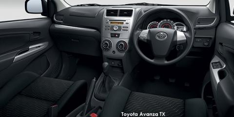 Toyota Avanza 1.5 SX auto - Image credit: © 2018 duoporta. Generic Image shown.