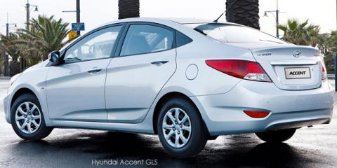Hyundai Accent sedan 1.6 Fluid auto - Image credit: © 2020 duoporta. Generic Image shown.