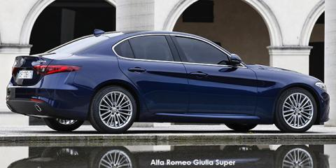 Alfa Romeo Giulia 2.0T - Image credit: © 2020 duoporta. Generic Image shown.