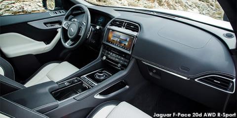 Jaguar F-Pace 20d AWD R-Sport - Image credit: © 2018 duoporta. Generic Image shown.