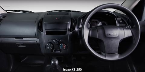 Isuzu KB 250 Fleetside - Image credit: © 2018 duoporta. Generic Image shown.