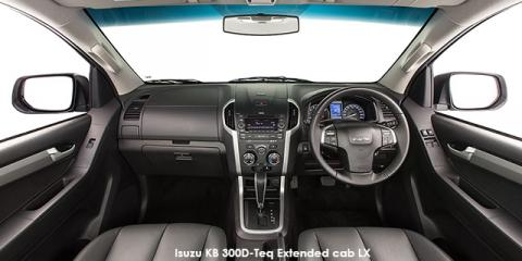 Isuzu KB 300D-Teq Extended cab LX - Image credit: © 2018 duoporta. Generic Image shown.