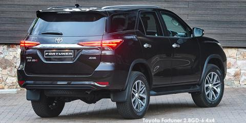 Toyota Fortuner 2.8GD-6 4x4 auto - Image credit: © 2018 duoporta. Generic Image shown.