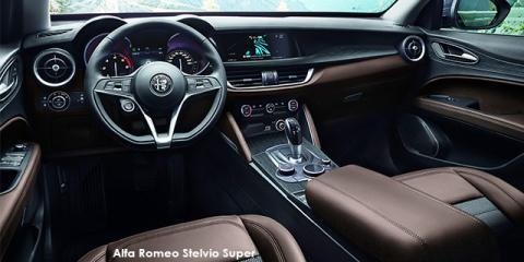 Alfa Romeo Stelvio 2.0T Super Q4 - Image credit: © 2018 duoporta. Generic Image shown.
