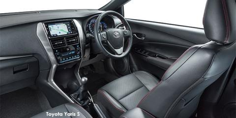 Toyota Yaris 1.5 Xs auto - Image credit: © 2018 duoporta. Generic Image shown.
