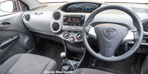 Toyota Etios hatch 1.5 Sprint - Image credit: © 2018 duoporta. Generic Image shown.