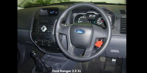 Ford Ranger 2.2 Hi-Rider XL - Image credit: © 2019 duoporta. Generic Image shown.