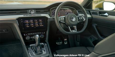Volkswagen Arteon 2.0TDI R-Line - Image credit: © 2018 duoporta. Generic Image shown.