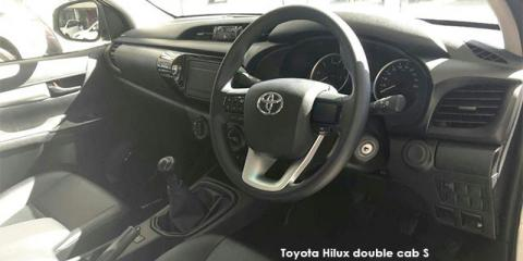 Toyota Hilux 2.4GD-6 double cab 4x4 SR - Image credit: © 2019 duoporta. Generic Image shown.