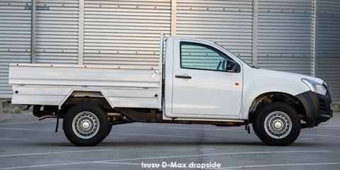 Isuzu D-Max 2.5 TD Fleetside dropside safety - Image credit: © 2019 duoporta. Generic Image shown.