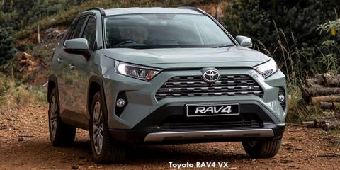 Toyota RAV4 2.5 AWD VX - Image credit: © 2019 duoporta. Generic Image shown.