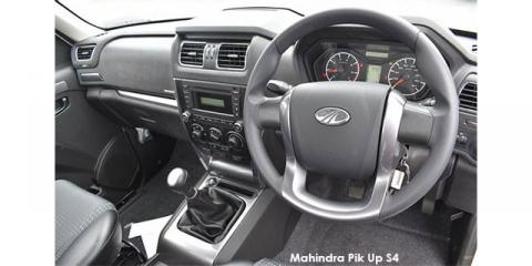 Mahindra Pik Up 2.2CRDe S4 dropside - Image credit: © 2019 duoporta. Generic Image shown.