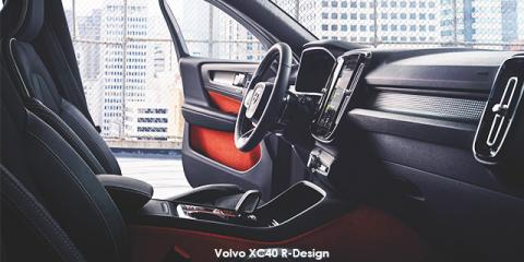 Volvo XC40 T3 R-Design auto - Image credit: © 2020 duoporta. Generic Image shown.