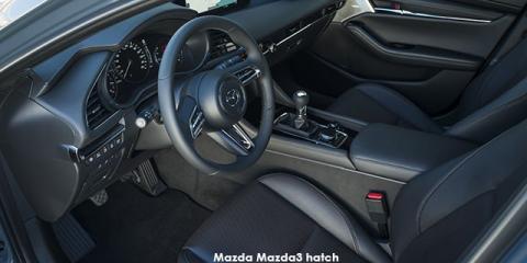 Mazda Mazda3 sedan 1.5 Dynamic auto - Image credit: © 2020 duoporta. Generic Image shown.