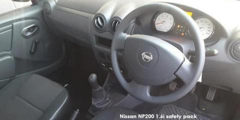 Nissan NP200 1.6i safety pack - Image credit: © 2020 duoporta. Generic Image shown.