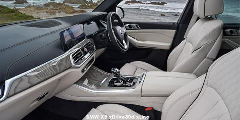 BMW X5 xDrive45e - Image credit: © 2020 duoporta. Generic Image shown.