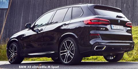 BMW X5 xDrive45e M Sport - Image credit: © 2021 duoporta. Generic Image shown.
