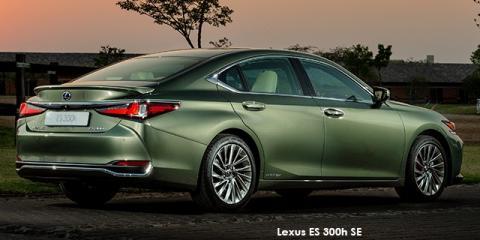 Lexus ES 300h SE - Image credit: © 2020 duoporta. Generic Image shown.