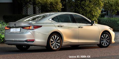 Lexus ES 300h EX - Image credit: © 2020 duoporta. Generic Image shown.