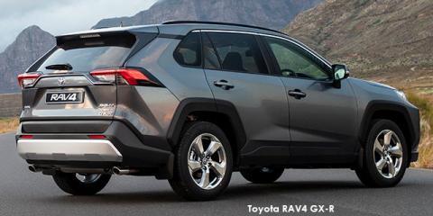 Toyota RAV4 2.0 GX auto - Image credit: © 2021 duoporta. Generic Image shown.