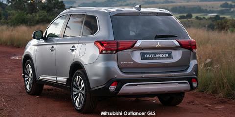Mitsubishi Outlander 2.4 GLS - Image credit: © 2021 duoporta. Generic Image shown.