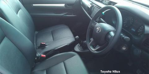Toyota Hilux 2.4GD-6 SR - Image credit: © 2021 duoporta. Generic Image shown.