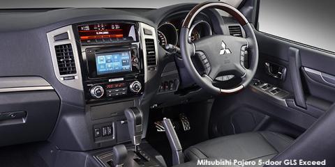 Mitsubishi Pajero 5-door 3.2DI-D GLS Exceed Pajero Legend Limited Edition 100 - Image credit: © 2021 duoporta. Generic Image shown.
