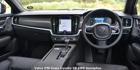 Volvo V90 Cross Country B5 AWD Inscription - Image credit: © 2021 duoporta. Generic Image shown.