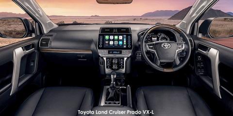 Toyota Land Cruiser Prado 2.8GD VX-L - Image credit: © 2021 duoporta. Generic Image shown.