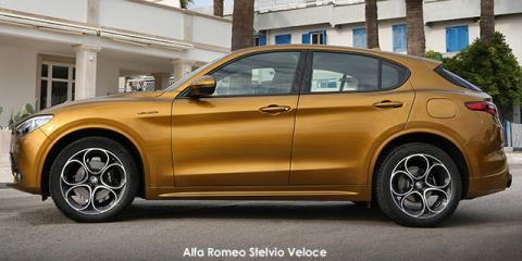 Alfa Romeo Stelvio 2.0T Super Q4 - Image credit: © 2021 duoporta. Generic Image shown.
