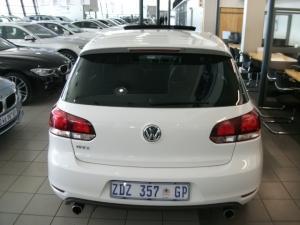 Volkswagen Golf VI GTI 2.0 TSI - Image 3