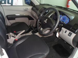 Mitsubishi Triton 2.4 MPID/C - Image 3