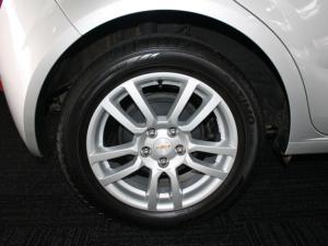 Chevrolet Sonic 1.6 LS 5-Door - Image 6