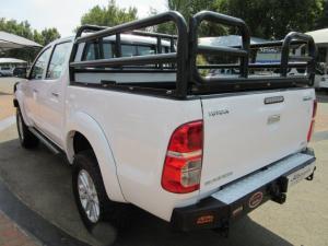 Toyota Hilux 3.0D-4D double cab 4x4 Raider auto - Image 6