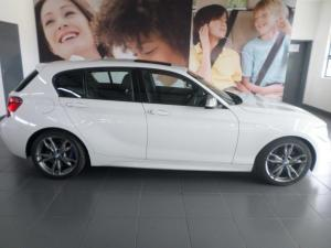 BMW 1 Series M135i 5-door sports-auto - Image 3