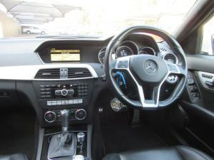 Mercedes-Benz C-Class sedan C63 AMG - Image 10