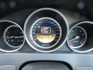 Mercedes-Benz C-Class sedan C63 AMG - Image 12