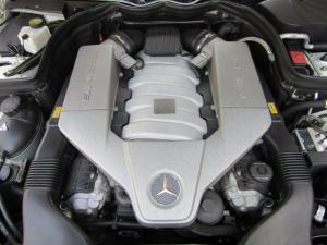 Mercedes-Benz C-Class sedan C63 AMG - Image 14