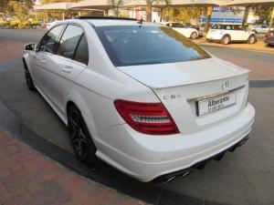 Mercedes-Benz C-Class sedan C63 AMG - Image 6