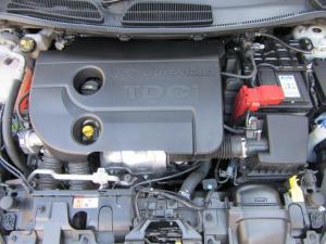 Ford Fiesta 5-door 1.6TDCi Trend - Image 14