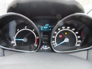 Ford Fiesta 5-door 1.6TDCi Trend - Image 12